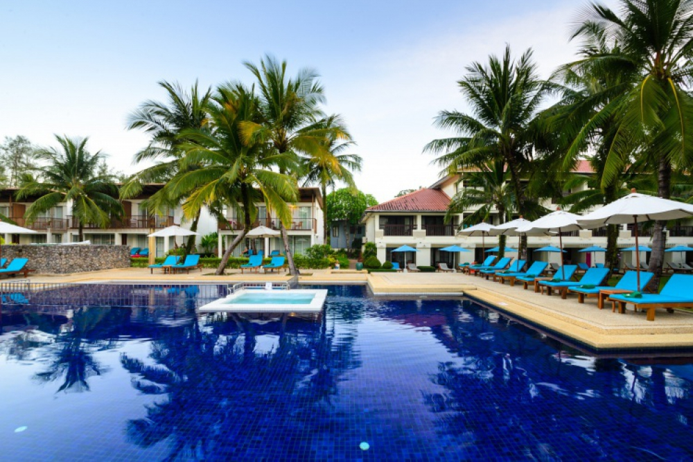 3* The Briza Beach Resort Khaolak -Phuket - 8 Nights